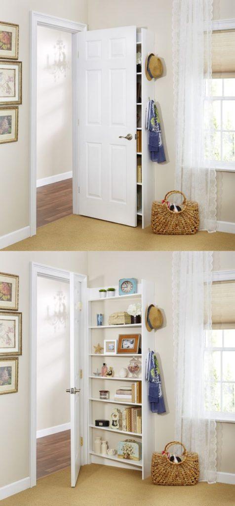Sala pequena decorada dividida