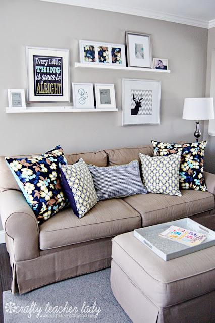 sofá sala pequena decorada