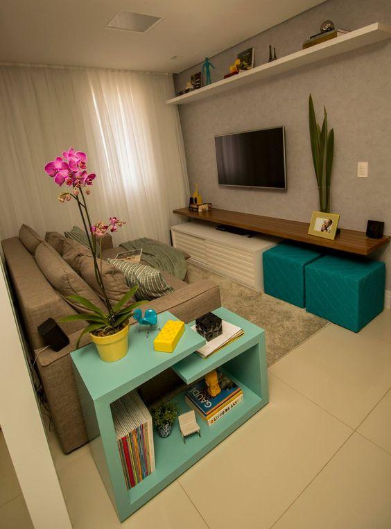 sala colorida decorada pequena